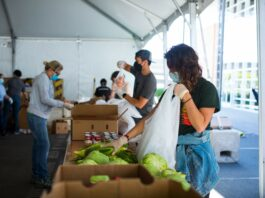 San Francisco-Marin Food Bank volunteers